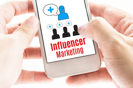 Why You Should Consider B2B Influencer Marketing